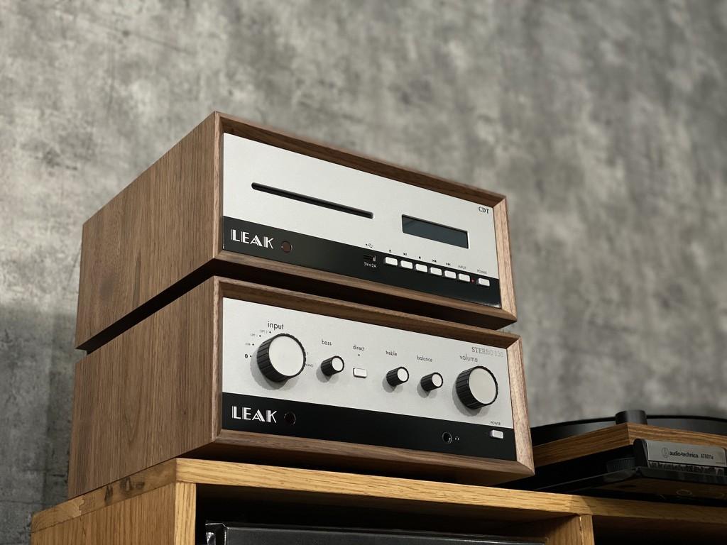 Cận cảnh LEAK Stereo 130 & CDT đầu tiên tại Việt Nam, chất vintage quá ấn tượng ảnh 1