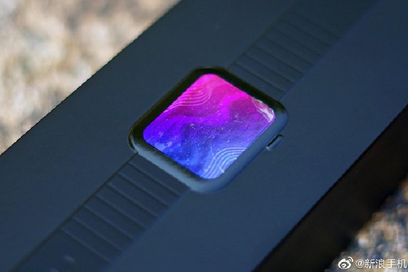 Can canh Xiaomi Mi Watch: Ban sao gia re cua Apple Watch-Hinh-2