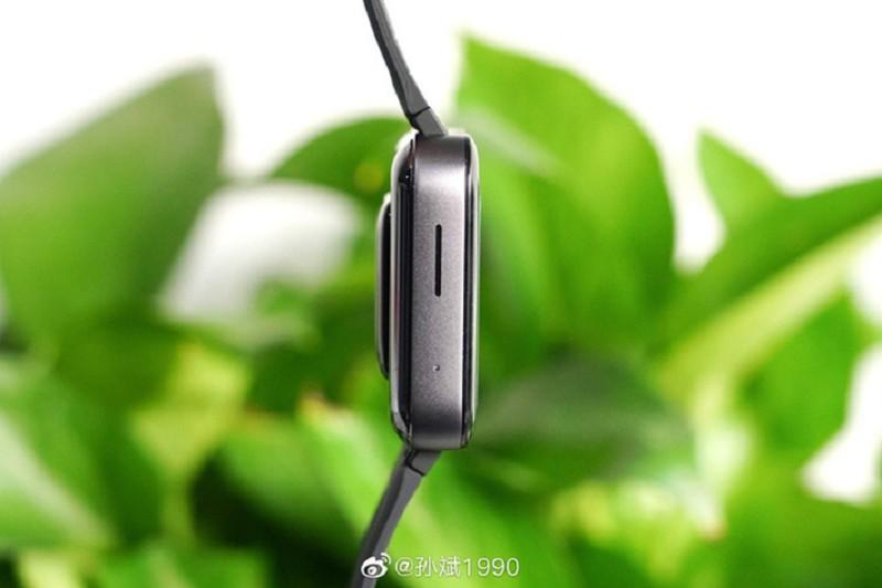 Can canh Xiaomi Mi Watch: Ban sao gia re cua Apple Watch-Hinh-5