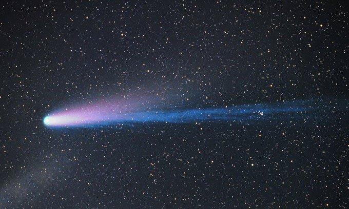 Sao chổi 153P/Ikeya-Zhang có đuôi ion dài hơn một tỷ km.
