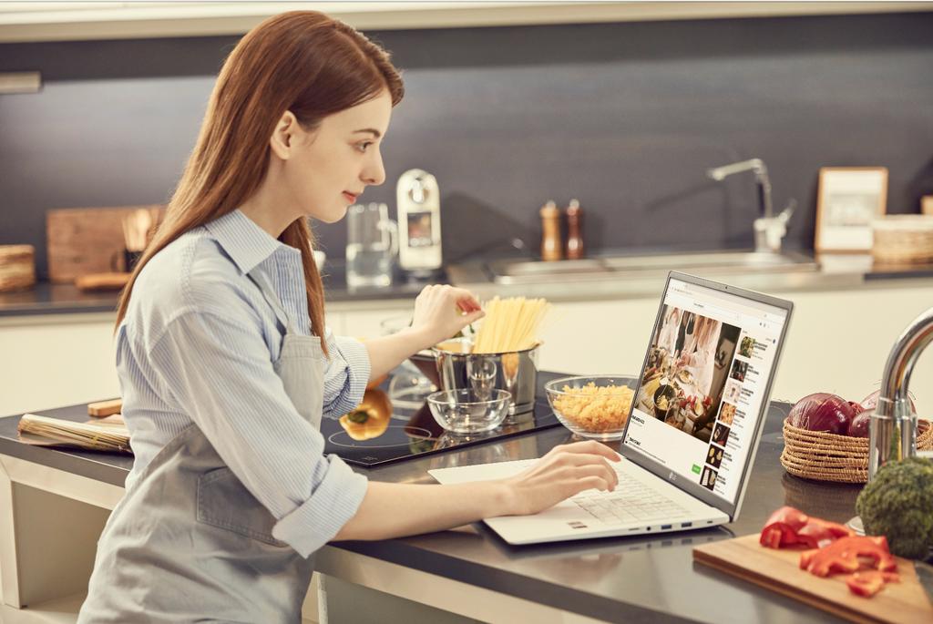 Bạn có biết Laptop chuẩn quân đội Mỹ đang là hot trend? ảnh 5