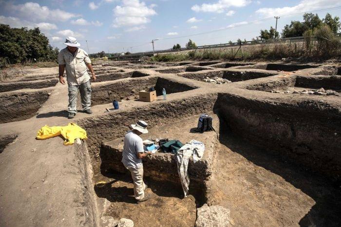 Các nhà nghiên cứu ước tính khoảng 6.000 người từng sống trong thành phố cổ này.