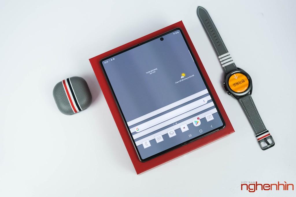 Trên tay Galaxy Z Fold 2 Thom Brown đầu tiên tại Việt Nam giá 120 triệu đồng ảnh 3