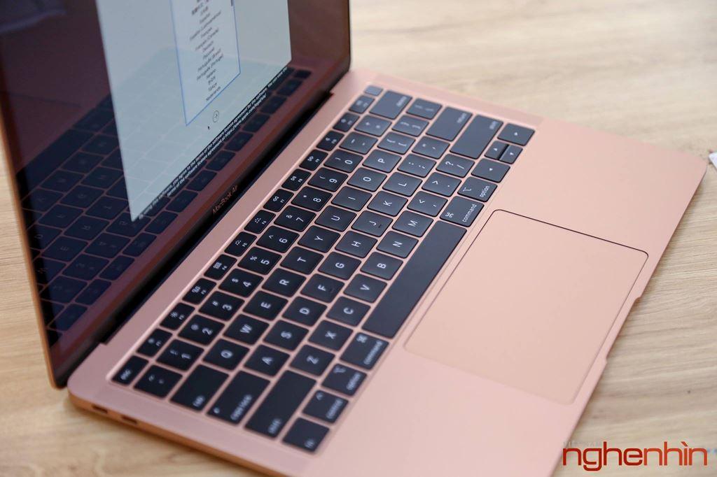Trên tay MacBook Air 2018: màn hình rất nét, viền mỏng, bổ sung Touch ID ảnh 8