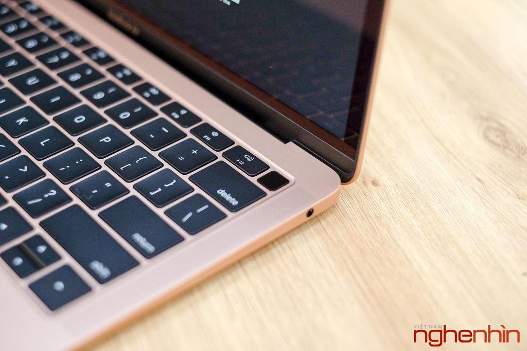 Trên tay MacBook Air 2018: màn hình rất nét, viền mỏng, bổ sung Touch ID ảnh 9