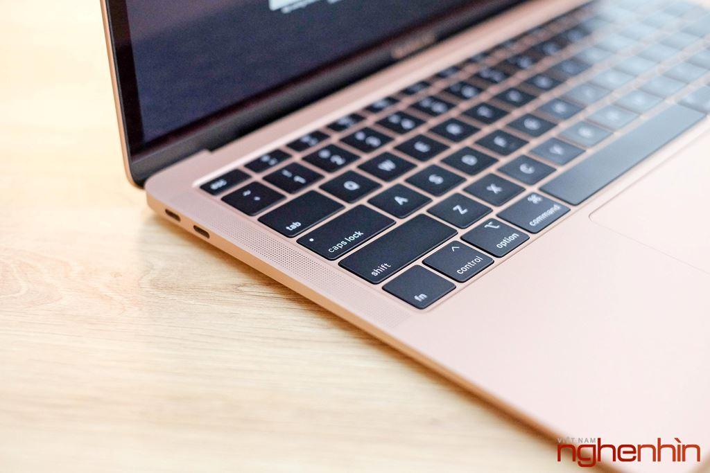 Trên tay MacBook Air 2018: màn hình rất nét, viền mỏng, bổ sung Touch ID ảnh 10