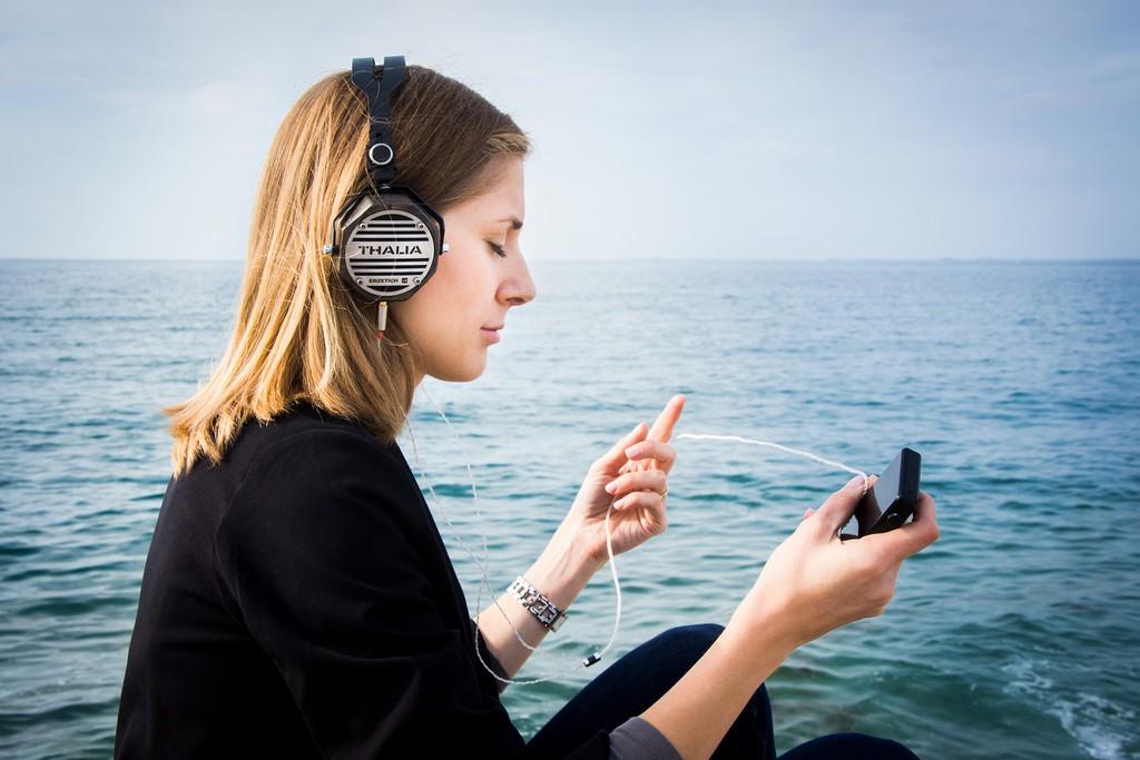 Thalia – Tai nghe thủ công hoàn toàn từ Châu Âu, màng titanium, giá dễ tiếp cận ảnh 1