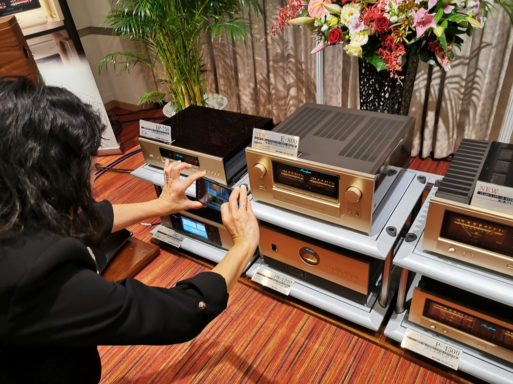 Ảnh thực tế đầu tiên của E-800, ampli Class A kỷ niện 50 năm được fan Accuphase mong chờ từng ngày ảnh 9