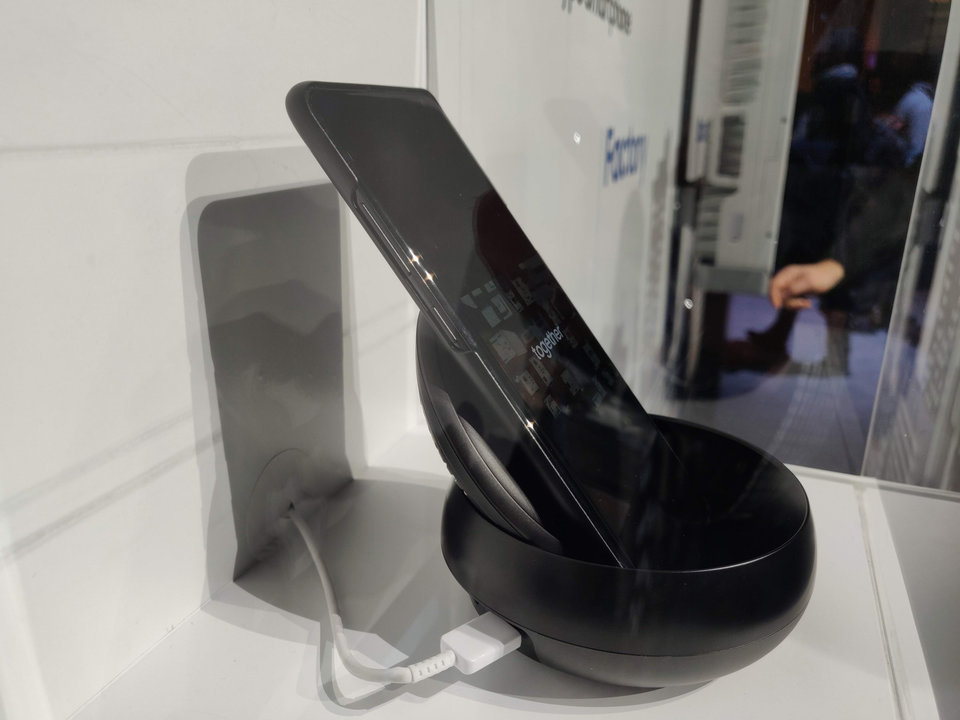 Samsung trưng bày smartphone 5G tại CES 2019, nhưng chẳng ai chú ý cả