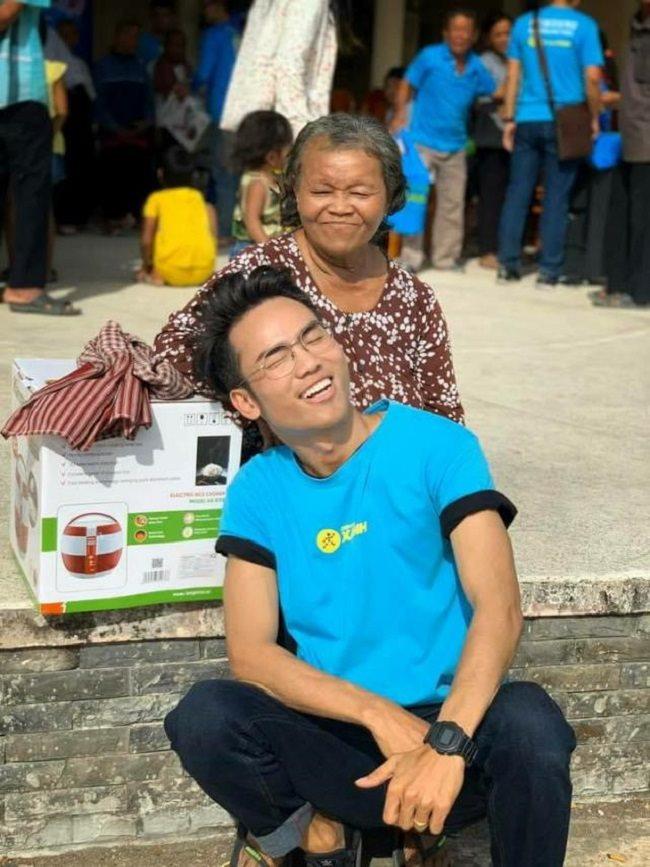 10.000 nồi cơm trao đi, ngàn nụ cười cùng vạn khoảnh khắc yêu thương nhận lại từ Cơm dẻo - Bếp ấm