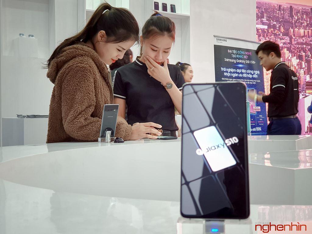 Những dấu ấn khó quên tại đại nhạc hội công nghệ chào đón Galaxy S10 ảnh 4