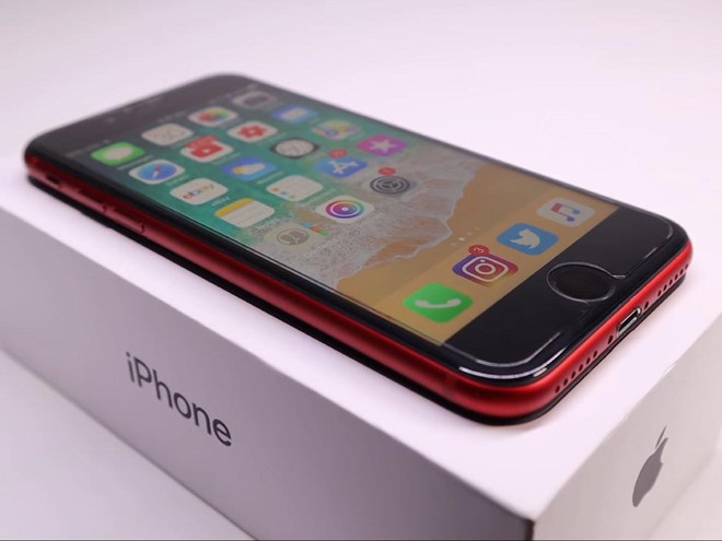 Voi 200 USD, ban co the ho bien iPhone 8 dong nat thanh nhu moi hinh anh 9