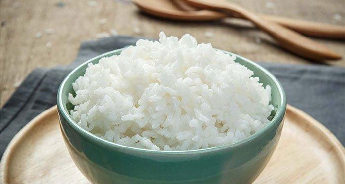 Tinh bột mà điển hình là cơm chiếm một phần năng lượng chính trong khẩu phần ăn của người