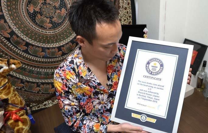 Shunichi Kanno của Nhật Bản lập kỷ lục Guiness thế giới.