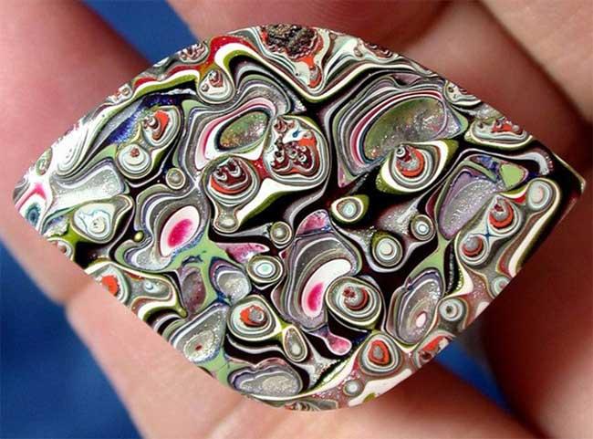 Tìm hiểu về đá mã não Detroit: Loại đá quý hoàn toàn là sản phẩm nhân tạo