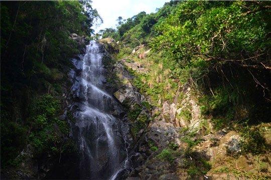 Hồ Tân Nương (Brides Pool) là một thác nước bình dị và đẹp như tranh vẽ