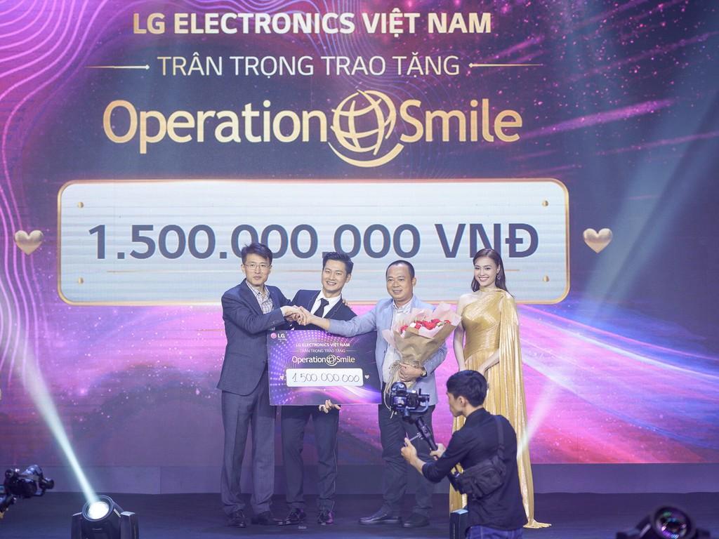LG Việt Nam đấu giá TV OLED 8K đầu tiên trên thế giới dành tặng 1,5 tỷ cho nụ cười trẻ thơ ảnh 1