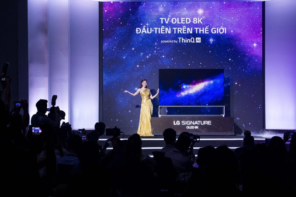 LG Việt Nam đấu giá TV OLED 8K đầu tiên trên thế giới dành tặng 1,5 tỷ cho nụ cười trẻ thơ ảnh 2
