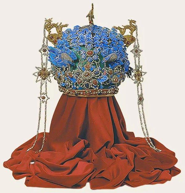 Phượng quán của Minh Thần Tông Vạn Lịch Hiếu đoan hoàng hậu.