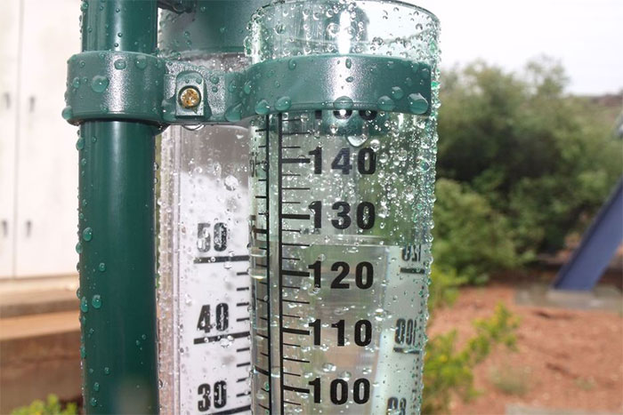 Nếu đo được lượng mưa 120mm nghĩa là nếu đất không ngấm nước, sau cơn mưa sẽ ngập 120mm.