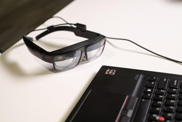 Kính thông minh Lenovo ThinkReality A3 hiển thị tối đa 5 màn hình ảo ảnh 2