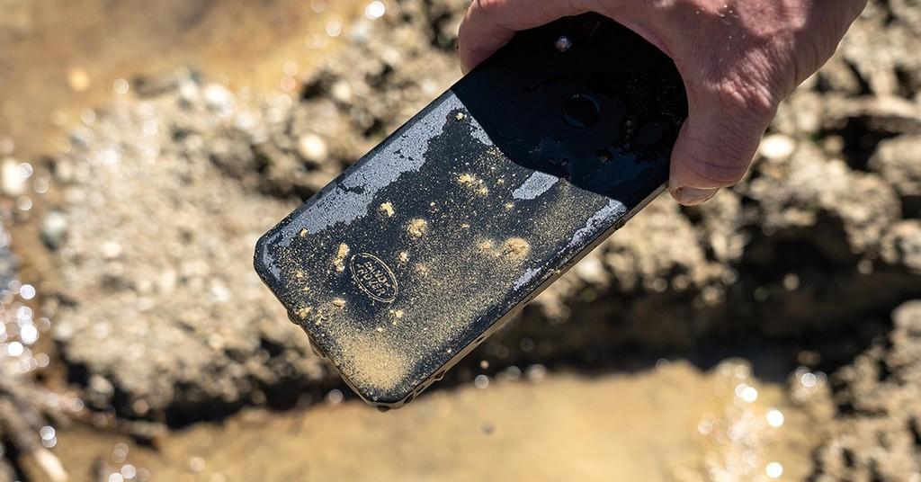 Motorola chuẩn bị tung ra smartphone siêu bền giá mềm ảnh 1
