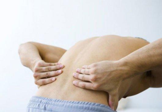 Bệnh đau lưng khi ngủ dậy khiến bạn gặp nhiều hạ chế trong sinh hoạt và công việc