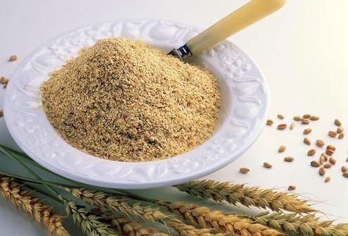 Mầm lúa mì, một phần của hạt lúa mì, rất giàu chất dinh dưỡng. Đồng thời, nó cũng chứa nhiều chất zinc, chất chống ôxy hóa, vitamin B và các khoáng chất. Ngoài ra, mầm lúa mì là một loại thực phẩm tổng hợp bao gồm các chất xơ, protein, béo, rất tốt cho sức khỏe và hệ miễn dịch của cơ thể bạn.