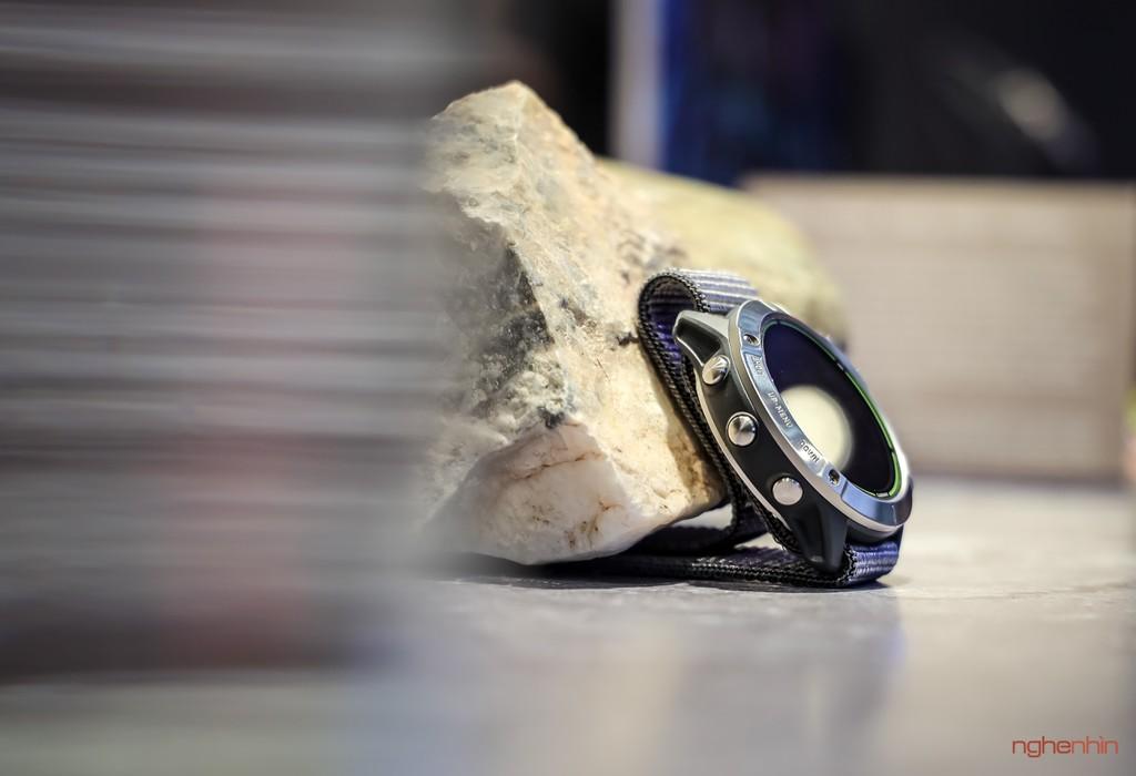 Cận cảnh Garmin Enduro tại Việt Nam: smartwatch pin 65 ngày, sạc bằng năng lượng mặt trời, giá 20 triệu ảnh 3