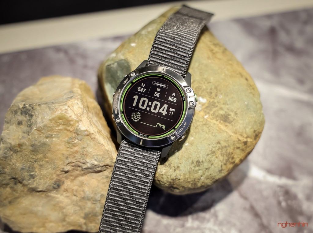 Cận cảnh Garmin Enduro tại Việt Nam: smartwatch pin 65 ngày, sạc bằng năng lượng mặt trời, giá 20 triệu ảnh 4