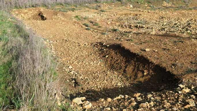 Dấu vết để lại của một trong 42 ngôi mộ đã được khai quật
