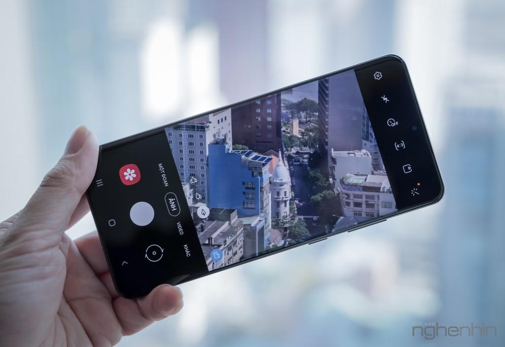 Trên tay nhanh siêu phẩm Galaxy S20 Ultra đầu tiên tại Việt Nam ảnh 10