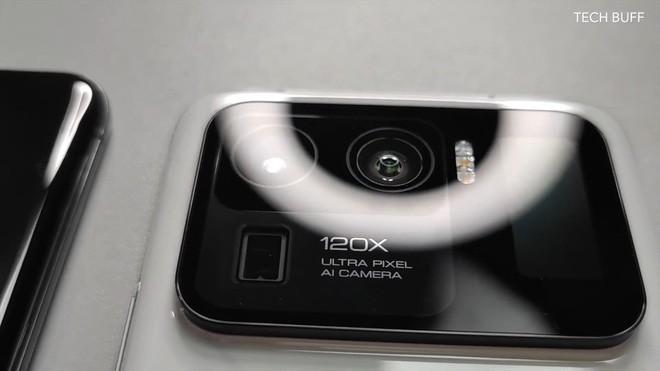 Xiaomi Mi 11 Ultra được trang bị hẳn màn hình nhỏ cạnh camera sau ảnh 4