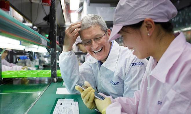 Foxconn sẵn sàng hỗ trợ Apple, chuyển nhà máy lắp ráp iPhone ra khỏi Trung Quốc nếu cần thiết - Ảnh 1.