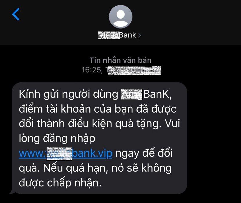 Cảnh báo thủ đoạn lừa đảo mới của tội phạm công nghệ cao   Bộ Công an cảnh báo thủ đoạn giả mạo tin nhắn thương hiệu ngân hàng để lừa chiếm đoạt tiền của người dân