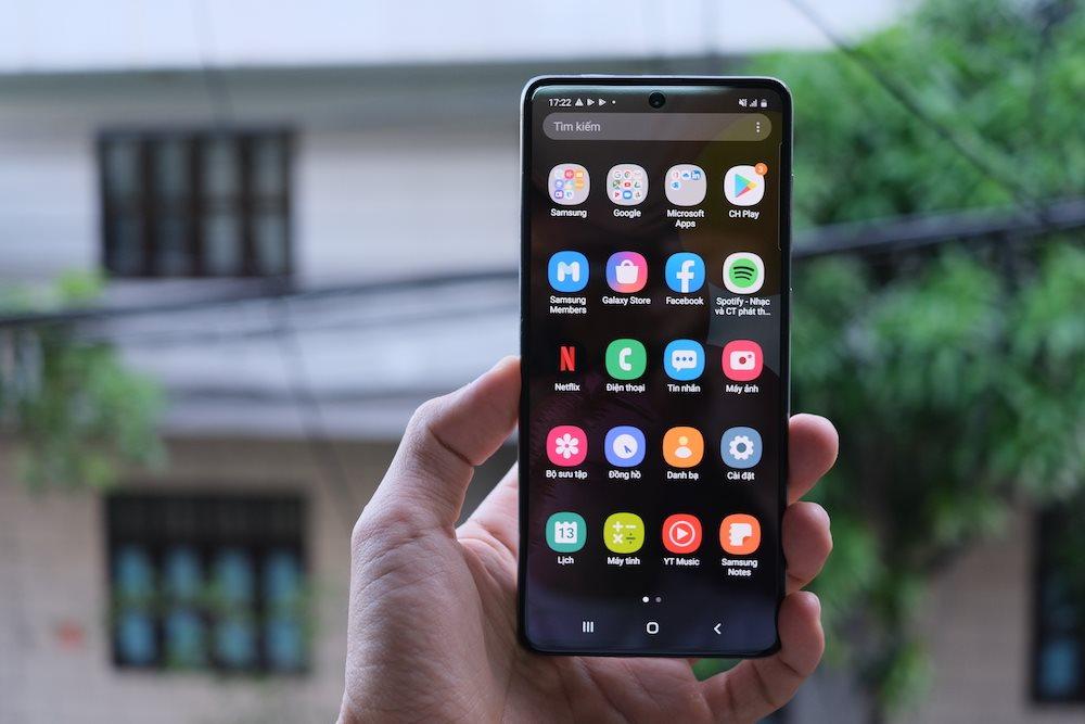 Samsung Galaxy A71: Màn hình lớn, mỏng gọn, sạc nhanh