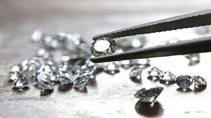 Kim cương có thể thay đổi tính chất cơ học ở mức độ nano.