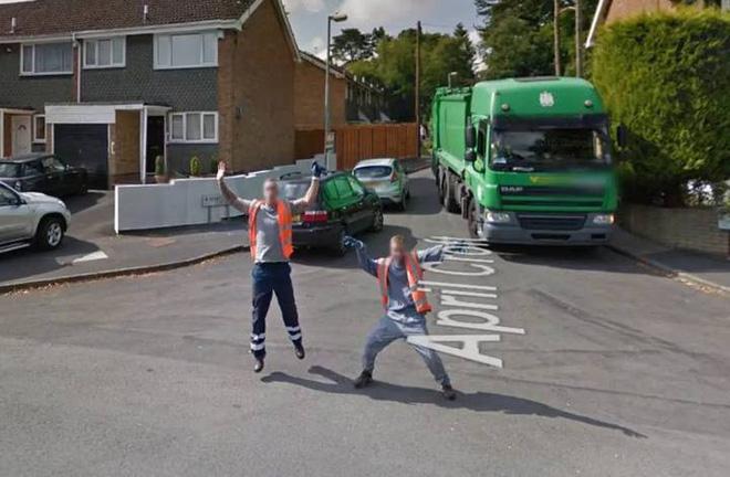 Google Street View ghi lại cảnh xe chụp hình đường phố đâm phải con thỏ lao qua đường - Ảnh 7.