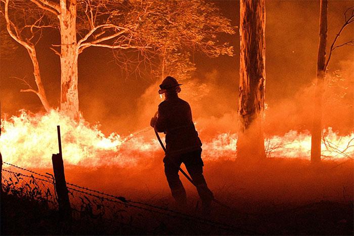 Các đám cháy rừng bùng phát dữ dội tại New South Wales, Australia, ngày 31/12/2019.