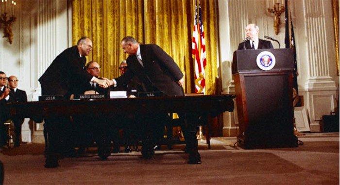 Cảnh sát bảo vệ hành tinh được thành lập sau khi Hiệp ước ngoài vũ trụ được ký kết năm 1967.