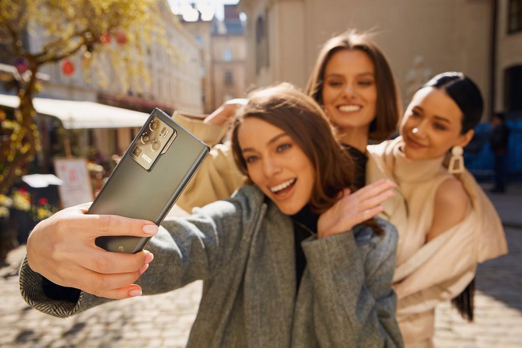 ZTE Axon 30 Ultra ra mắt: cạnh tranh gắt với Galaxy S21 Ultra ảnh 1