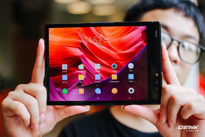 Trên tay Royole FlexPai: Smartphone màn hình gập đầu tiên trên thế giới - Ảnh 15.