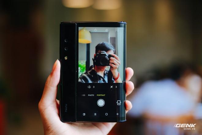 Trên tay Royole FlexPai: Smartphone màn hình gập đầu tiên trên thế giới - Ảnh 29.