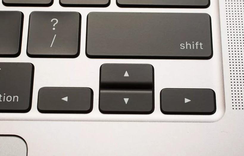 MacBook Pro 16 inch chính thức: Bàn phím Magic Keyboard, 6 loa, giá từ 2399 USD ảnh 4