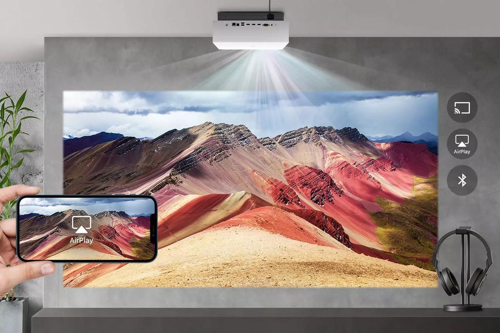 Máy chiếu LG laser 4K mới nhất hỗ trợ AirPlay 2, giá 2.999 USD ảnh 1