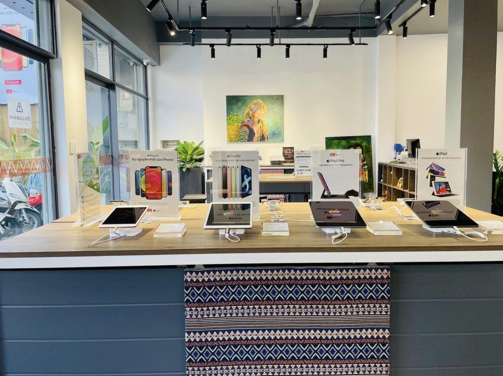ShopDunk khai trương chuỗi cửa hàng Apple phong cách thổ cẩm đầu tiên ở Việt Nam ảnh 1