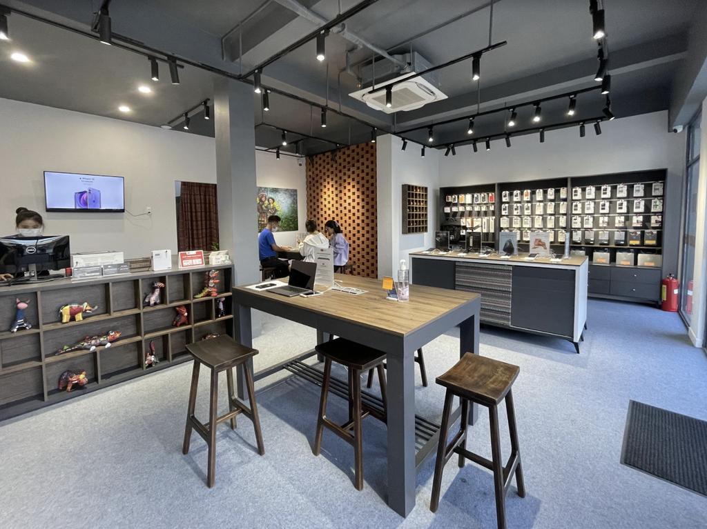 ShopDunk khai trương chuỗi cửa hàng Apple phong cách thổ cẩm đầu tiên ở Việt Nam ảnh 10