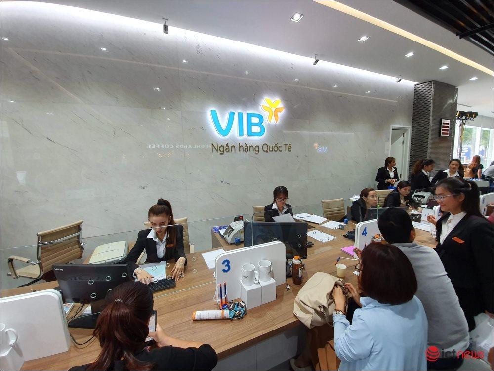 Người Việt làm 3 tháng mới mua được iPhone 11, người Singapore chỉ cần 9 ngày