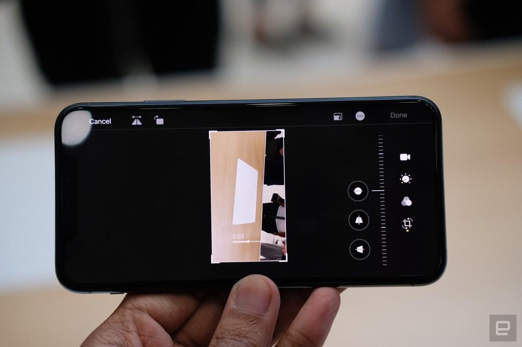 Tại sao nên chọn iPhone 11, rẻ hơn ? ảnh 6