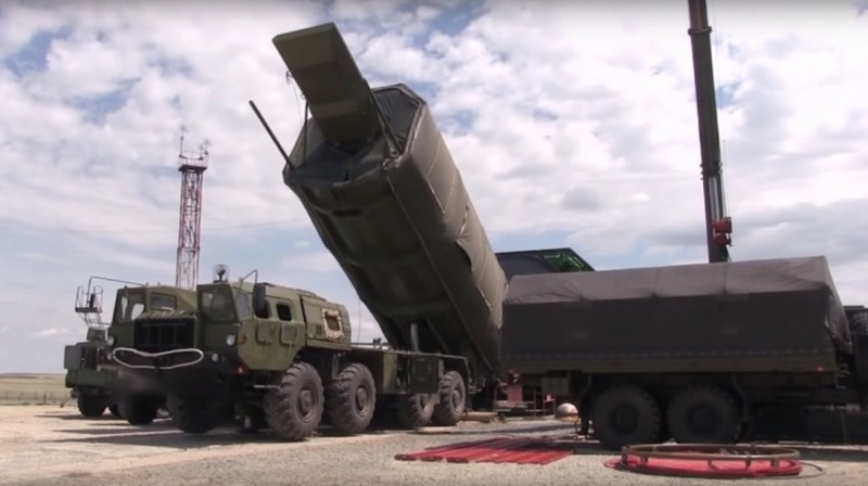 Bao Trung Quoc khen vu khi Nga: Kinh khung hon ca bom nguyen tu-Hinh-2